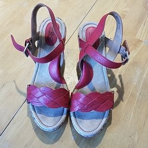 EUC red leather børn wedge sandals